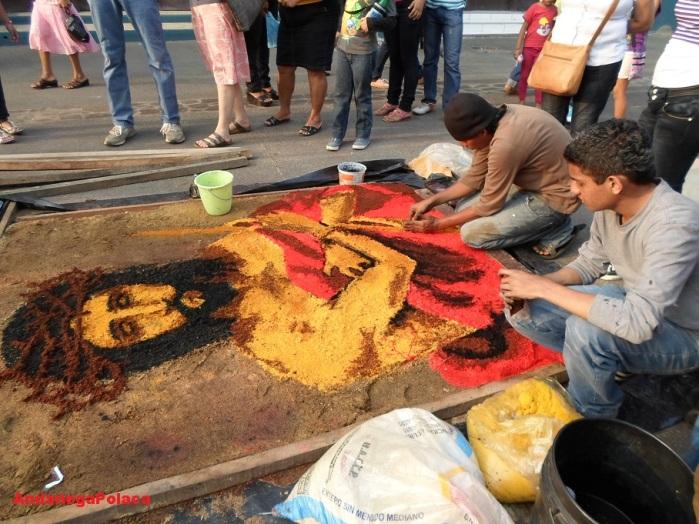 Los artistas pintando en León