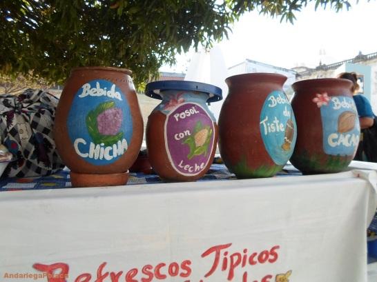 Las bebidas tradicionales al base de cacao, leche, maiz